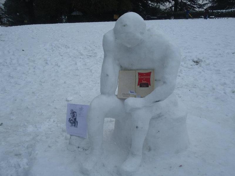 Escultura Nieve 2 - India - El Pensador